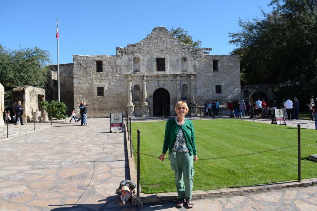 Wendy in front of the Alamo.