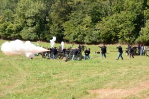 Battle of Tunnel Hill - Union cannons fire.