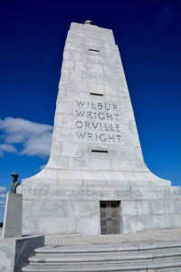 Monument to the Wright brothers.