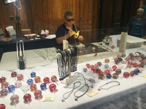 Glass blowing at the folk art centre. Wot no potters or dodgers - sad.