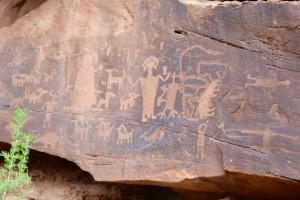 A few more petroglyphs.